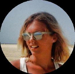 Giulia Verrini. Açai, yoga, sup. Qualche volta anche laureata in economia e studentessa di un master in food & wine. Fondatrice del Polo Positivo.