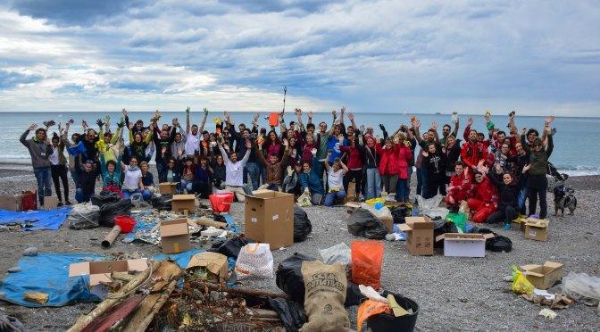 Beach Clean Up: un anno dopo torniamo a Sturla per ripulirla dai rifiuti