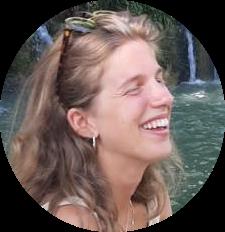 Descrizione di Gaia Scandella: cuoca mancata, amante dei luoghi con un fascino perduto, del vino e della samba. È parte del team eventi del Polo Positivo.