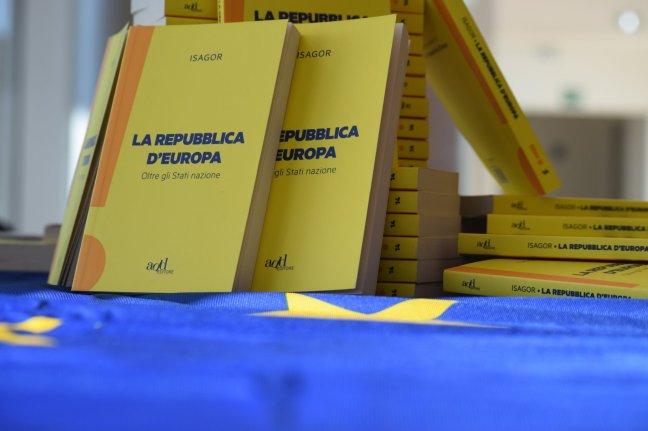 Libro-manifesto la Repubblica d'Europa